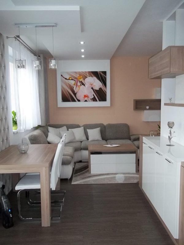 Kuchyňa, obývačka, predsieň mezonet B.Bystrica
