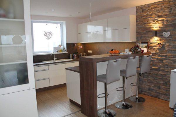 Kuchyňa s obývačkou, Čakany