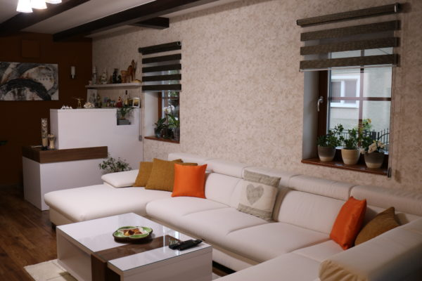 Obývacia izba s pracovným kútom, Pohorelá